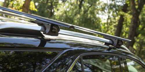 Silver aero locking roof bars rack for a 5 door Nissan X-Trail year 2001-2006