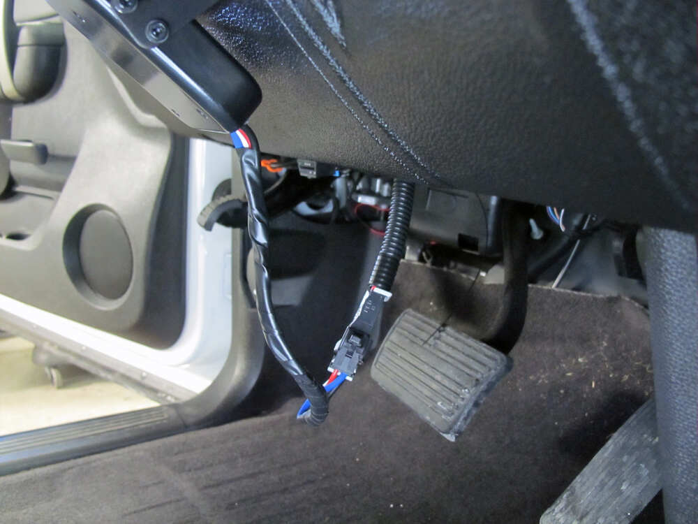 2006 chevrolet silverado brake controller curt. Black Bedroom Furniture Sets. Home Design Ideas