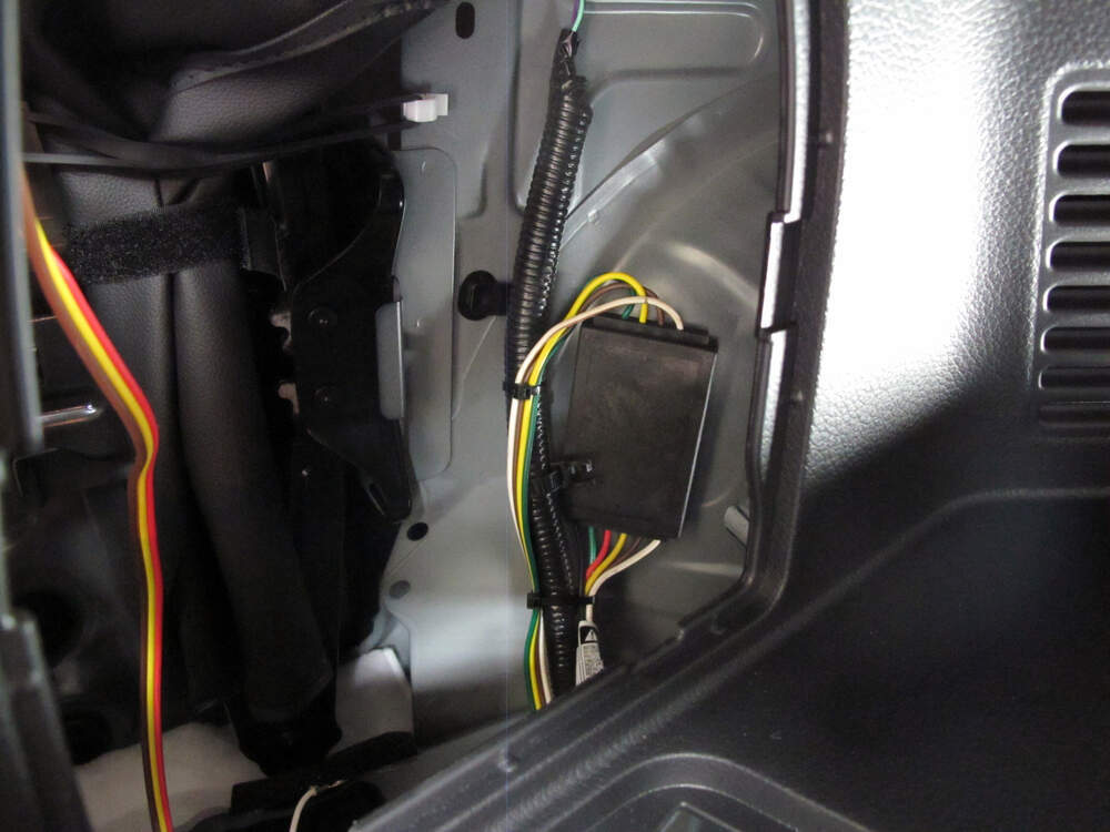 2015 nissan rogue curt t-connector vehicle wiring harness with 4-pole flat  trailer connector