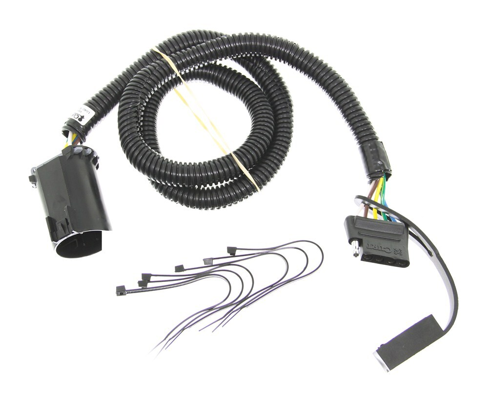 Curt T-Connector Vehicle Wiring Harness for Factory Tow Package - 5-Pole  Flat Trailer Connector Curt Custom Fit Vehicle Wiring C56515