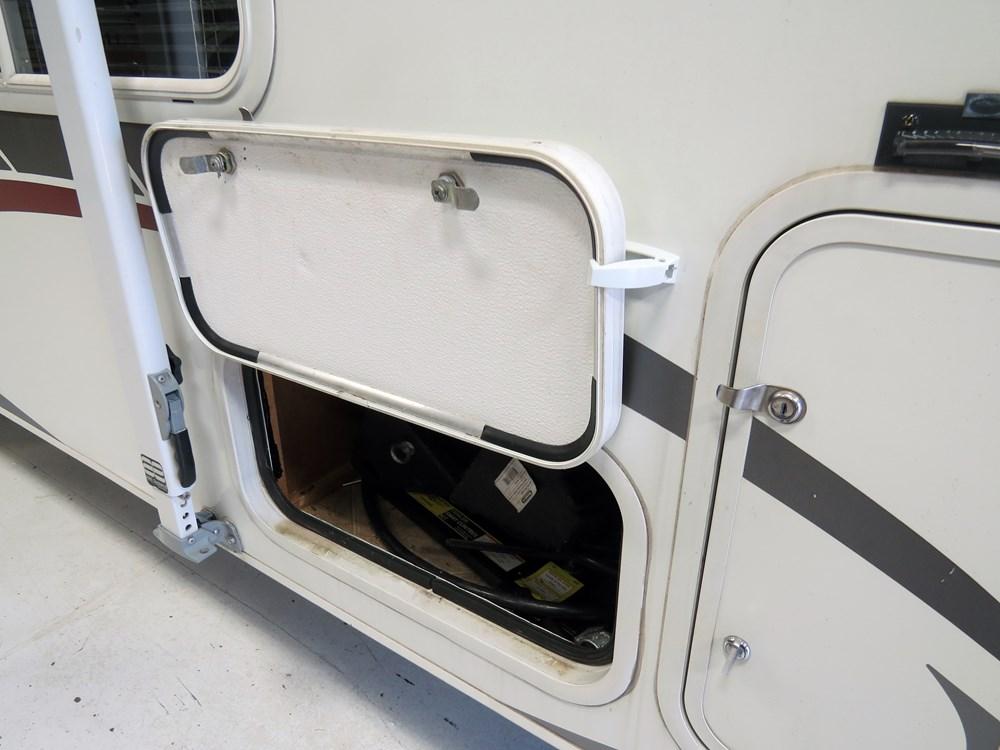 CAM44163   Catches Camco Baggage Door