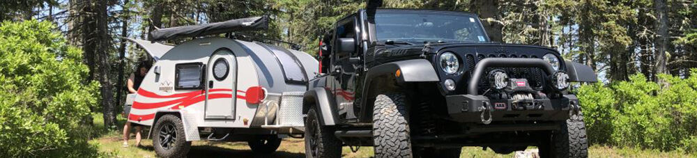 Jeep Pulling Camper