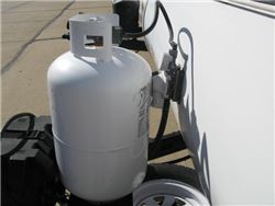 Single tank travel trailer propane system