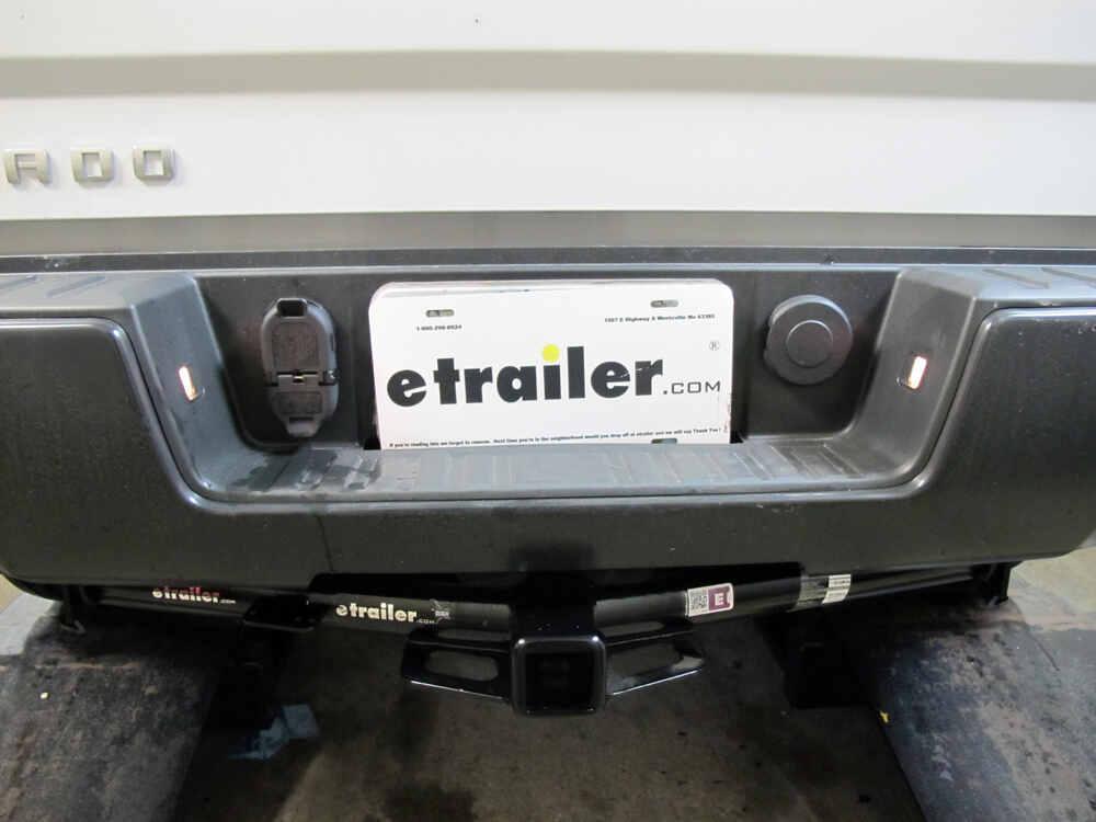 7 and 4 pole trailer connector socket w mounting bracket vehicle rh etrailer com