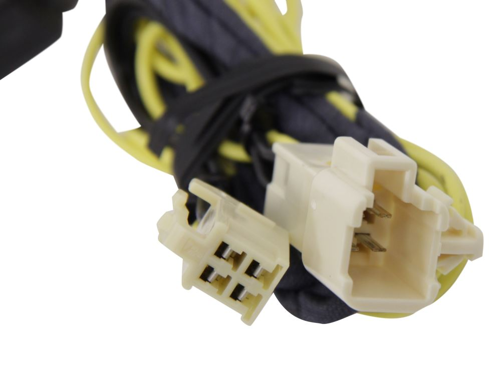 Compare Hopkins Plug-In vs Curt T-Connector   etrailer.com