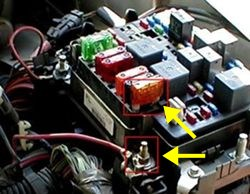 qu59497_250 no 12v power or running lights on 7 way trailer connector on 2004 2003 Chevy Tahoe Fuse Box Diagram at cos-gaming.co