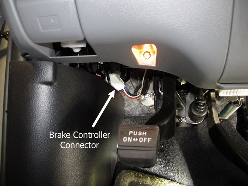 How To Identify A Trailer Connector On A 2009 Toyota