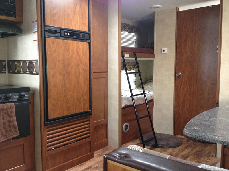 28 amazing motorhome over cab bed ladder for Rv loft bed