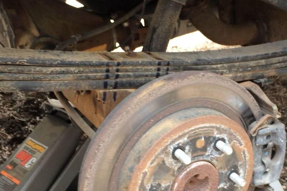 2000 Toyota Tundra Timbren Rear Suspension Enhancement System