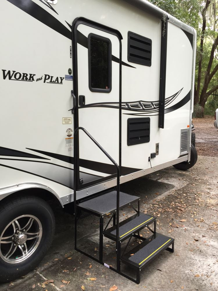 Rv: Econo Porch Trailer Step With Handrail And Landing