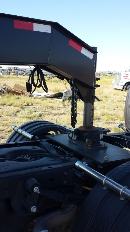 Fifth Wheel To Gooseneck Hitch >> Compare vs Bulldog Gooseneck-to-5th-Wheel   etrailer.com