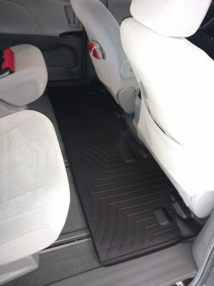 2015 toyota sienna weathertech 2nd row rear auto floor mat black. Black Bedroom Furniture Sets. Home Design Ideas