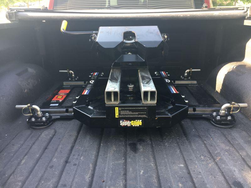 Compare Demco 5th Wheel Vs Reese 5th Wheel Etrailer Com