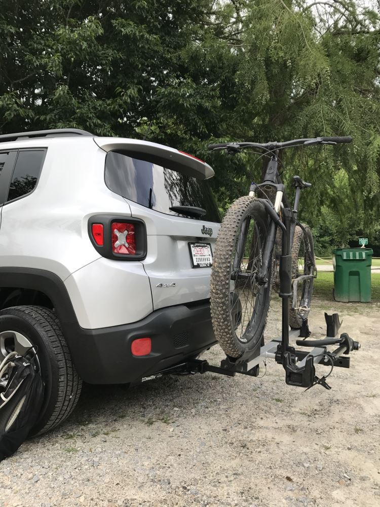 """2017 Jeep Renegade Draw-Tite Max-Frame Trailer Hitch Receiver - Custom Fit - Class III - 2"""""""