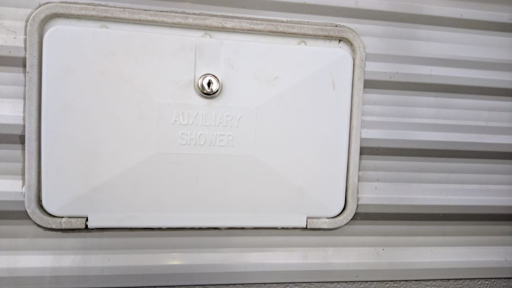 Rv Shower Door Parts Jr Products 620pw Exterior Shower Door Only For Part 5m102 A Rv Parts
