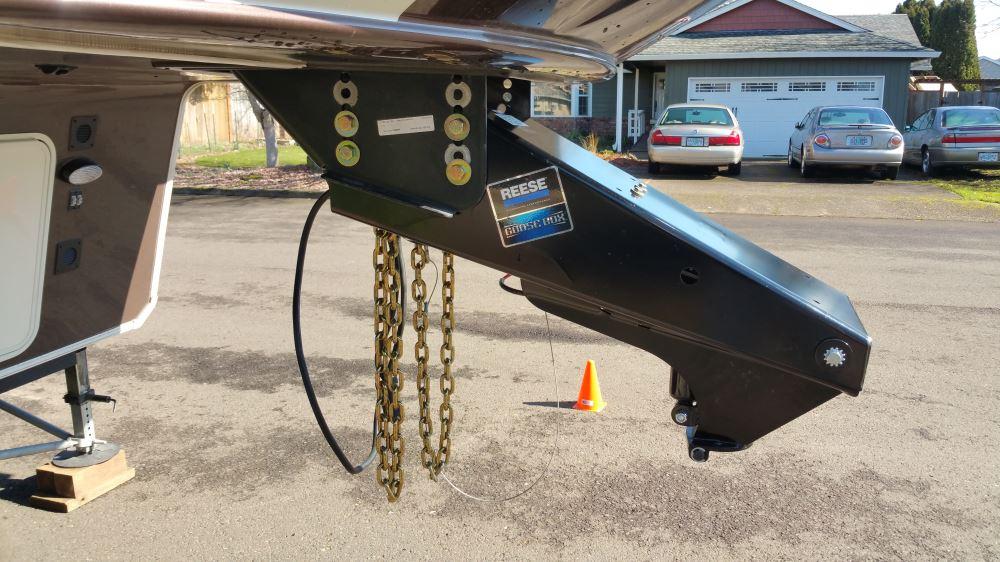 Fifth Wheel To Gooseneck Hitch >> Reese Goose Box 5th-Wheel-to-Gooseneck Air Ride Coupler ...