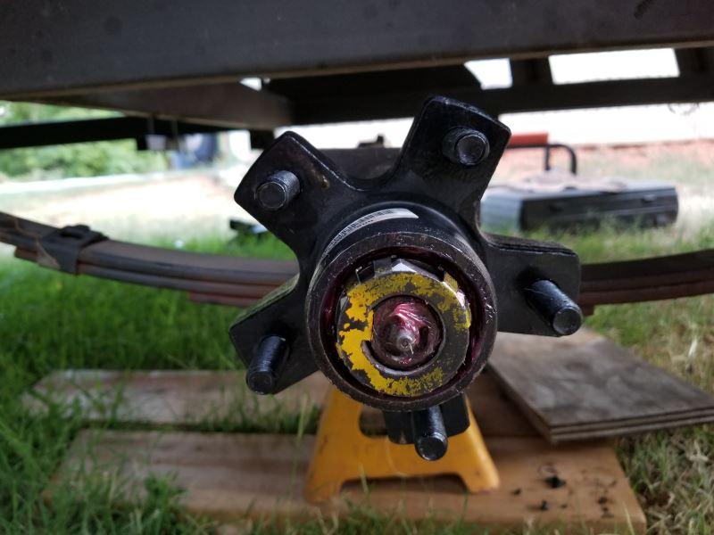 rid546083_r1_800 dexter trailer idler hub assembly for 2,000 lb e z lube axles 5 on