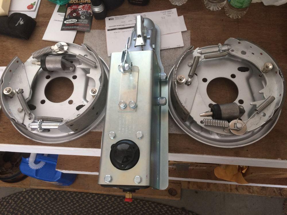 Demco Hydraulic Trailer Brake Actuator - Drum Brakes - Zinc Plated