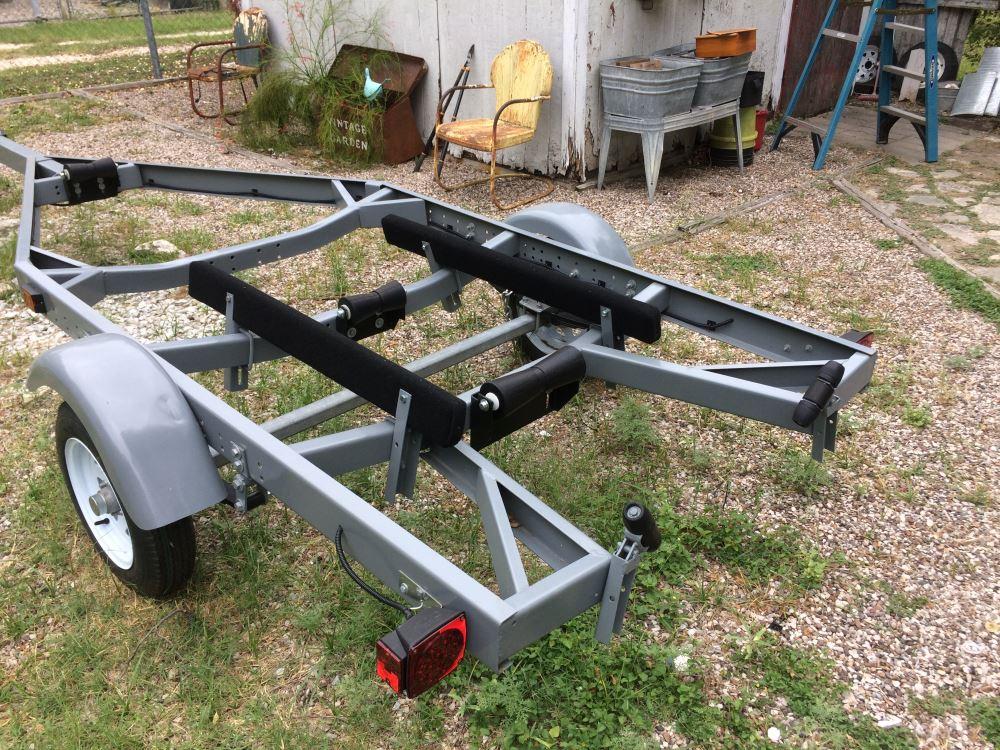 8 Inch Heavy Duty Centering Keel Roller For Boat Trailer Hull Bracket Assembly