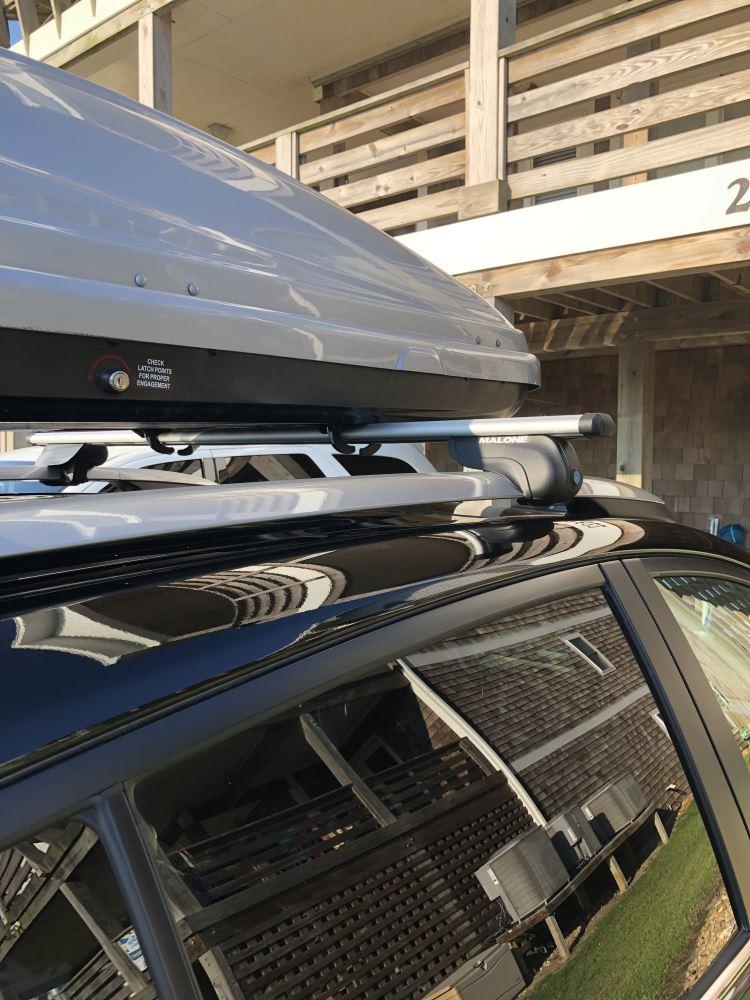 Malone AirFlow2 Roof Rack - Aero Crossbars - Raised, Factory Side