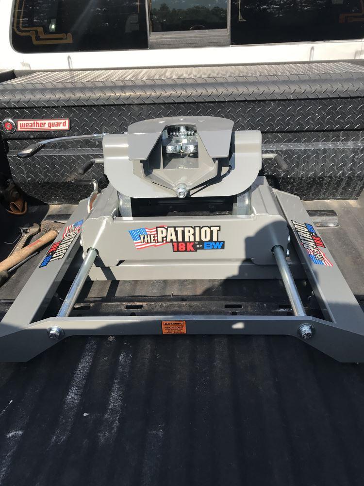 B&W Patriot 5th Wheel Trailer Hitch w/ Slider - Dual Jaw