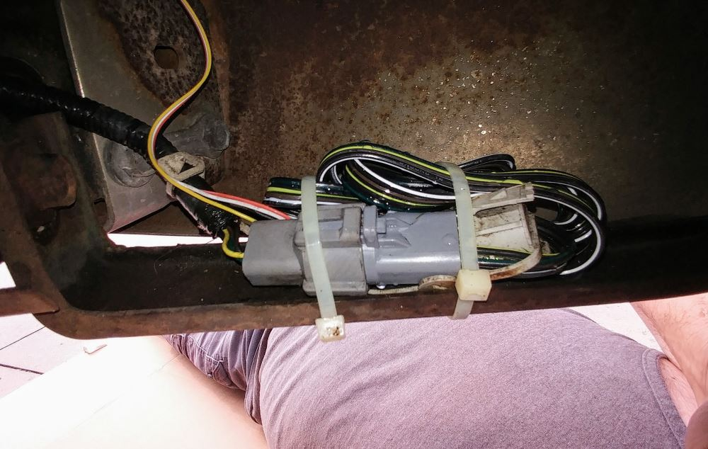 Tow Package Wiring Harness With 4 Pole Trailer Connector