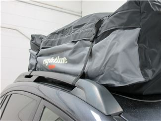 Cargo bag on raised side rails