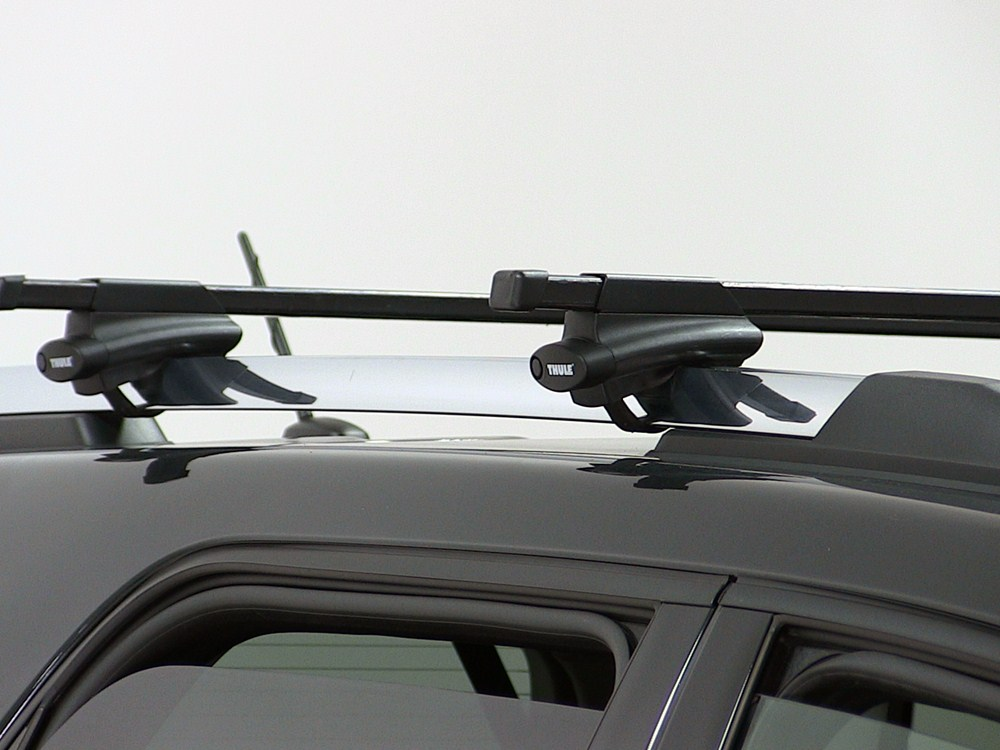thule complete crossroad kit with 50 long bars and locks. Black Bedroom Furniture Sets. Home Design Ideas