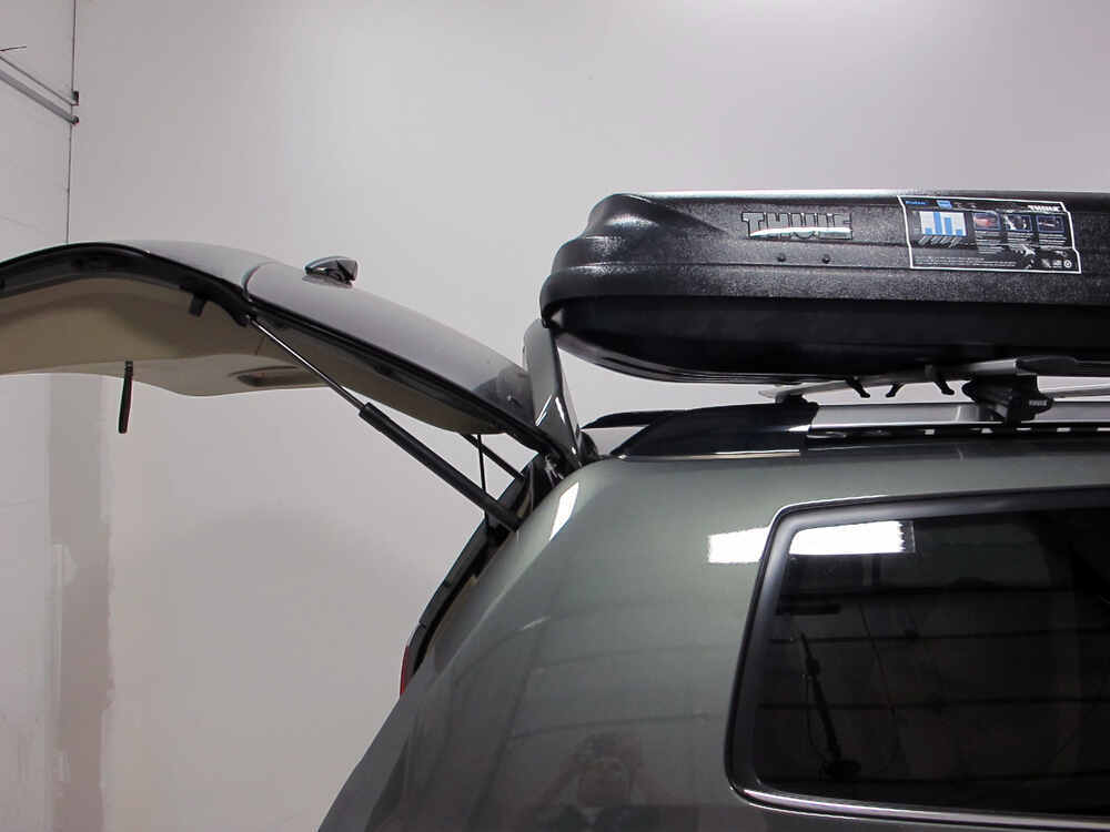 Toyota Highlander Thule Pulse Alpine Rooftop Cargo Box