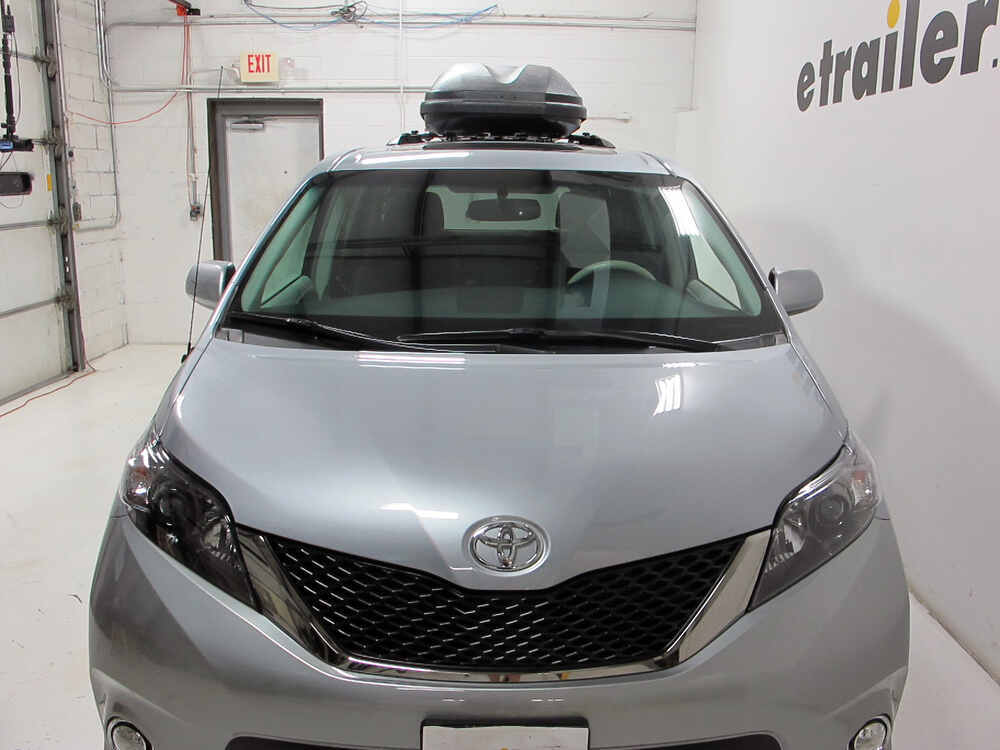 2012 toyota sienna thule pulse large rooftop cargo box. Black Bedroom Furniture Sets. Home Design Ideas