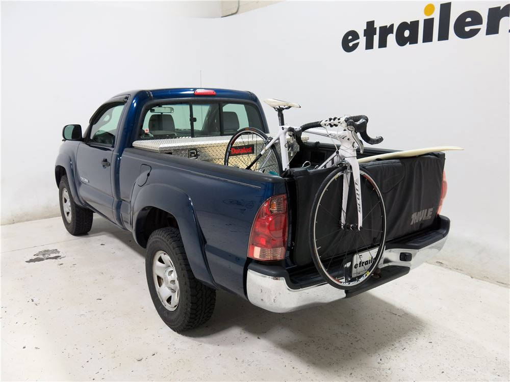 2006 toyota tacoma thule gate mate tailgate pad and bike. Black Bedroom Furniture Sets. Home Design Ideas