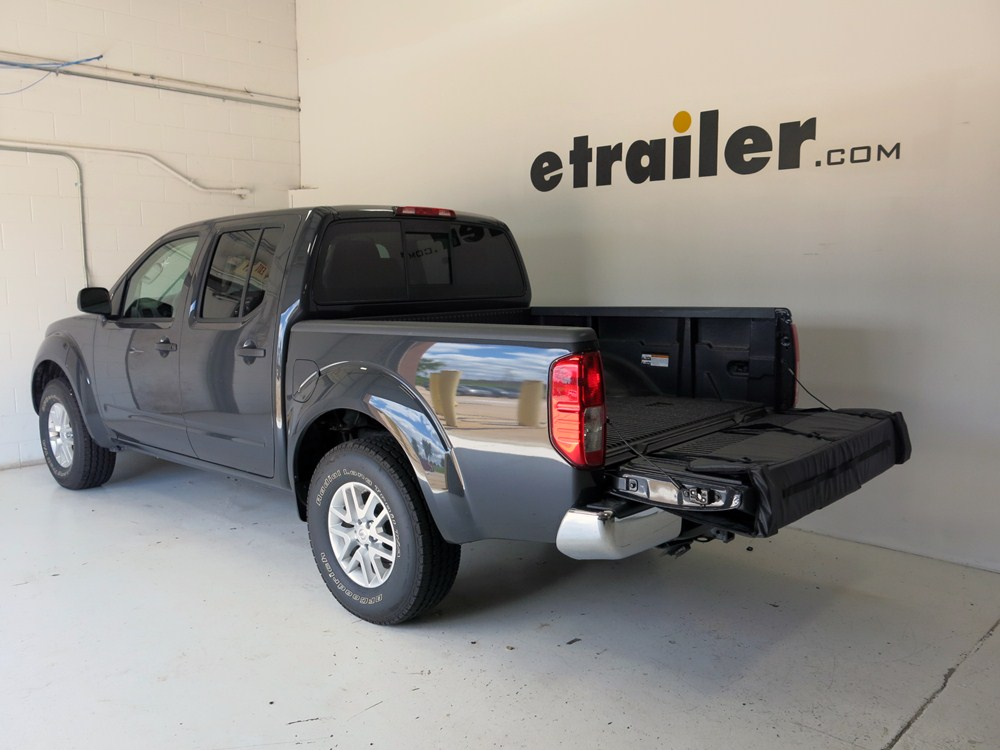 2014 nissan frontier thule gate mate tailgate pad and bike. Black Bedroom Furniture Sets. Home Design Ideas