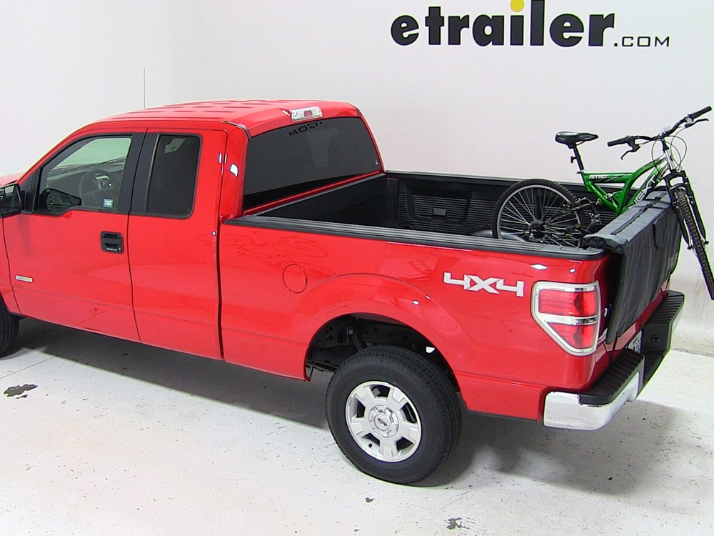 2013 ford f 150 thule gate mate tailgate pad and bike rack for full size trucks 62 wide. Black Bedroom Furniture Sets. Home Design Ideas