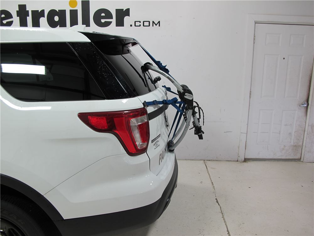 Buick Encore Bike Rack >> 2012 Ford Explorer Thule Gateway XT 2-Bike Rack - Trunk Mount - Adjustable Arms