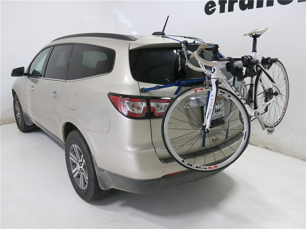 Buick Encore Bike Rack >> Chevrolet Traverse Thule Gateway XT 2-Bike Rack - Trunk Mount - Adjustable Arms