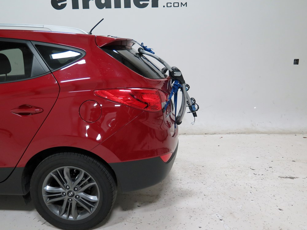 Buick Encore Bike Rack >> 2016 Hyundai Tucson Thule Archway XT 2-Bike Rack - Trunk Mount - Adjustable Arms