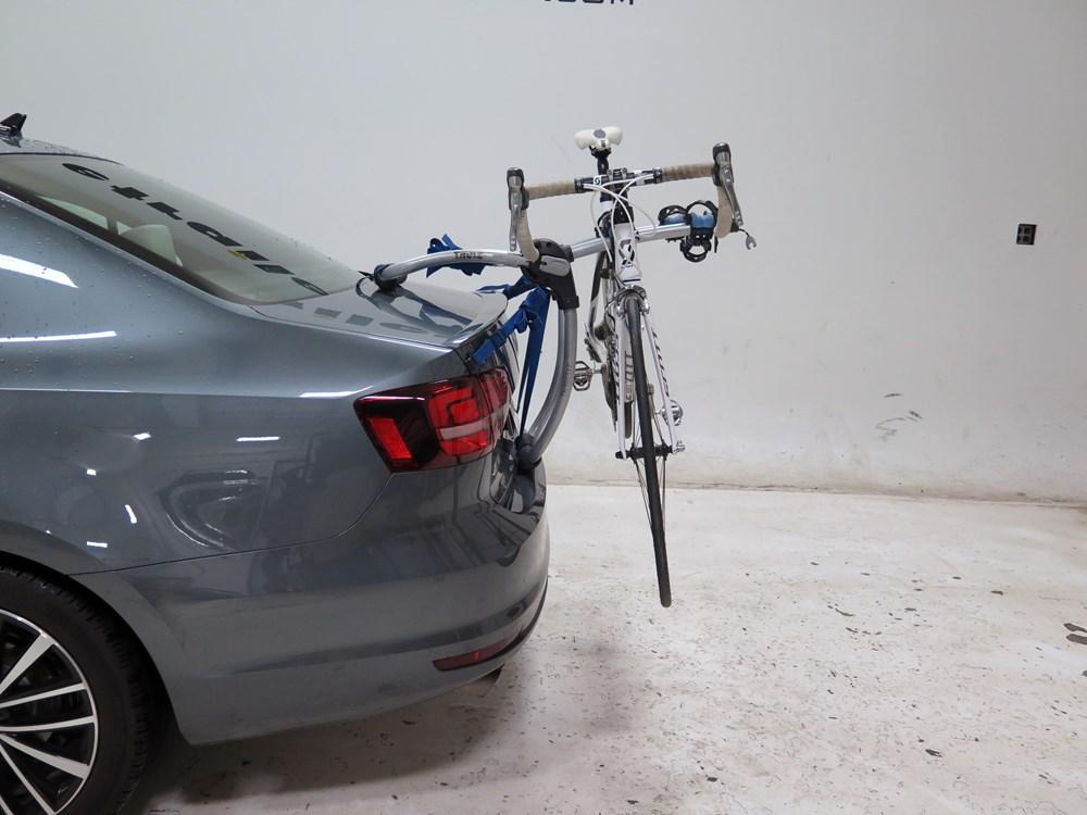 volkswagen jetta thule archway xt  bike rack trunk mount adjustable arms