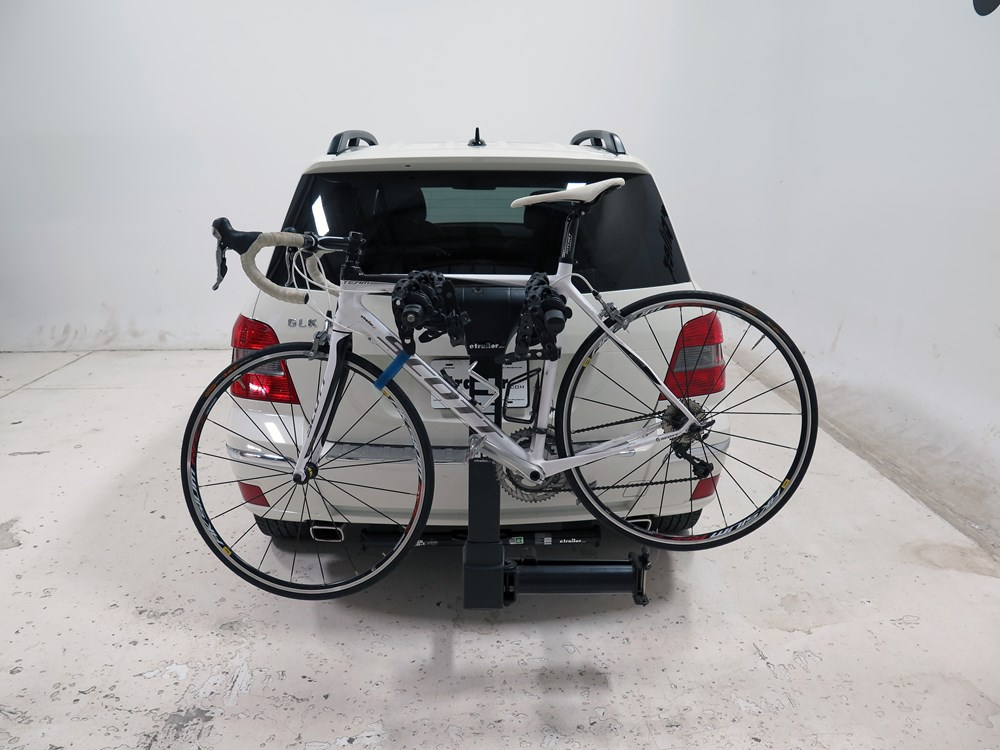 2011 mercedes benz glk class thule vertex swing 4 bike for Mercedes benz bicycle rack