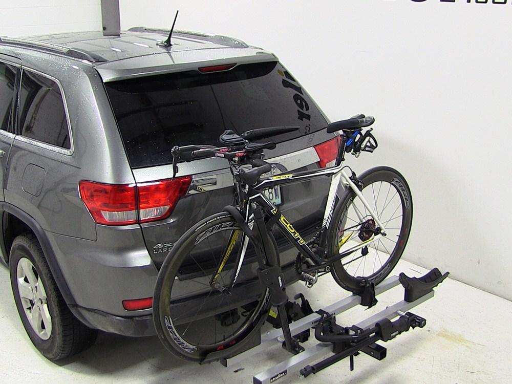 jeep grand cherokee thule t2 2 bike rack platform style tilting 2 hitches. Black Bedroom Furniture Sets. Home Design Ideas