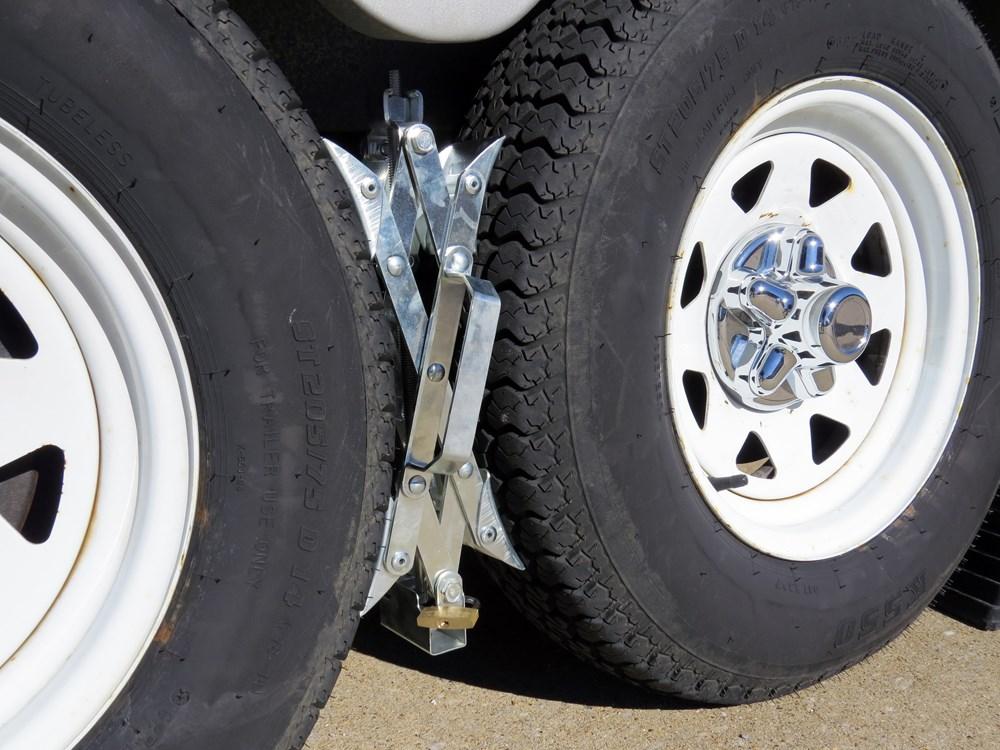Camper Wheel Chocks >> Super Grip Chock Wheel Stabilizers for Tandem-Axle