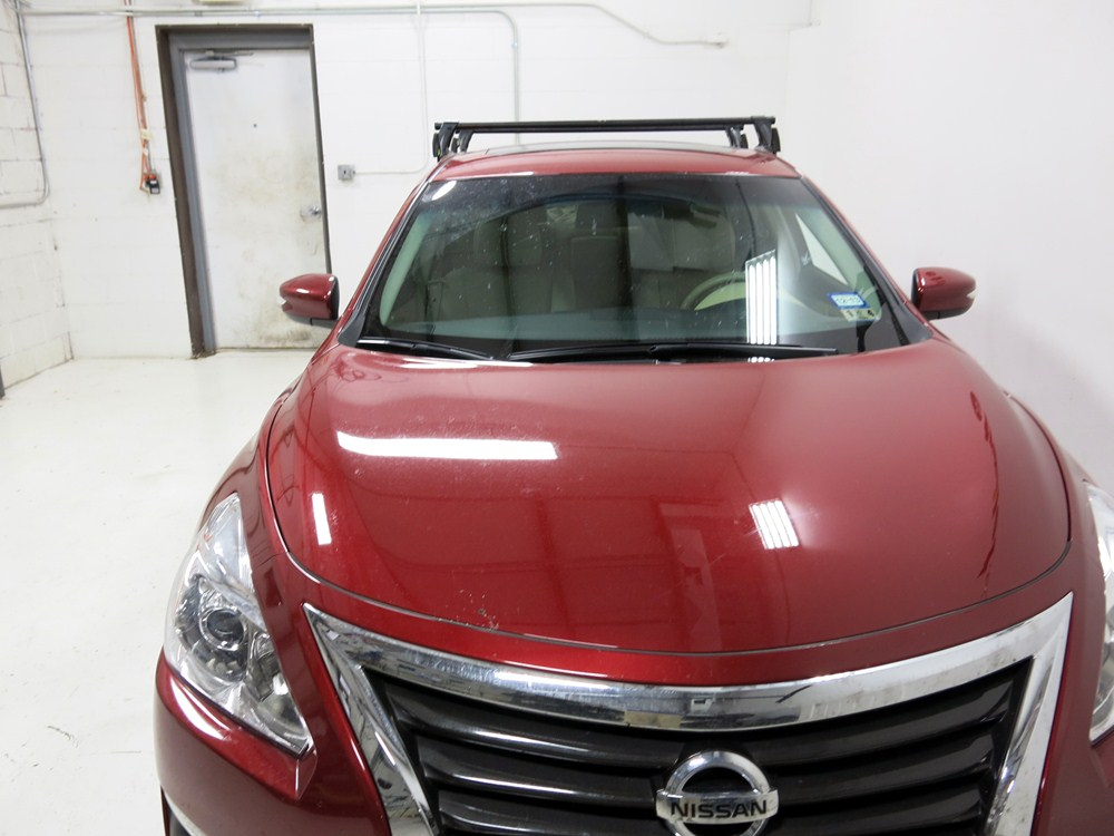 Yakima Roof Rack for Nissan Altima, 2001 | etrailer.com
