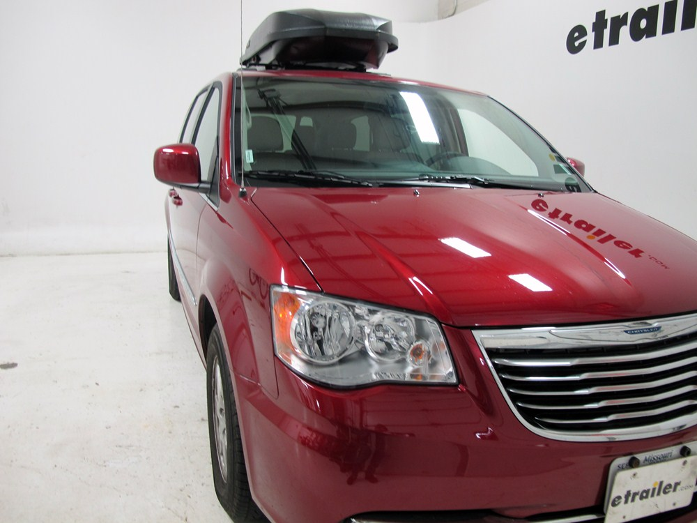 2013 chrysler town and country yakima rocketbox pro 14 rooftop cargo box 14 cu ft black. Black Bedroom Furniture Sets. Home Design Ideas